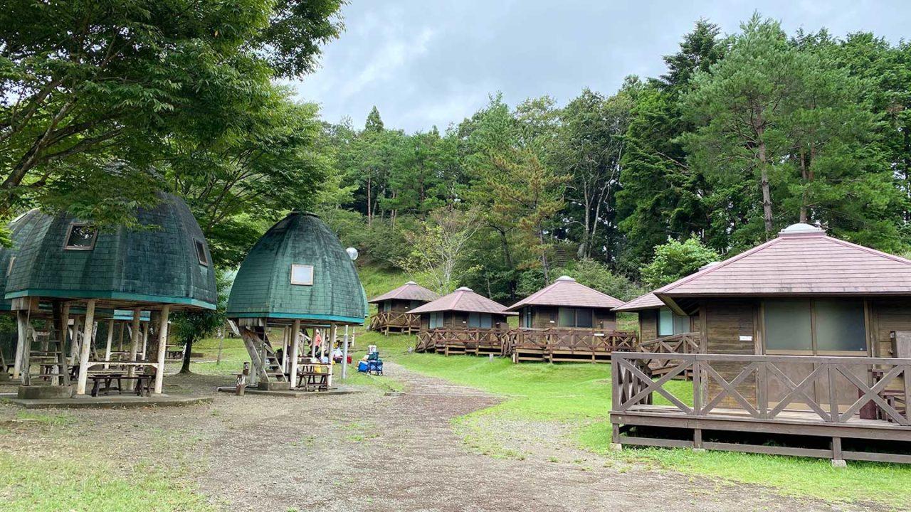 清和県民の森のロッジ村レビュー!雨でも快適 テントやタープがなくても気軽にキャンプができるよ